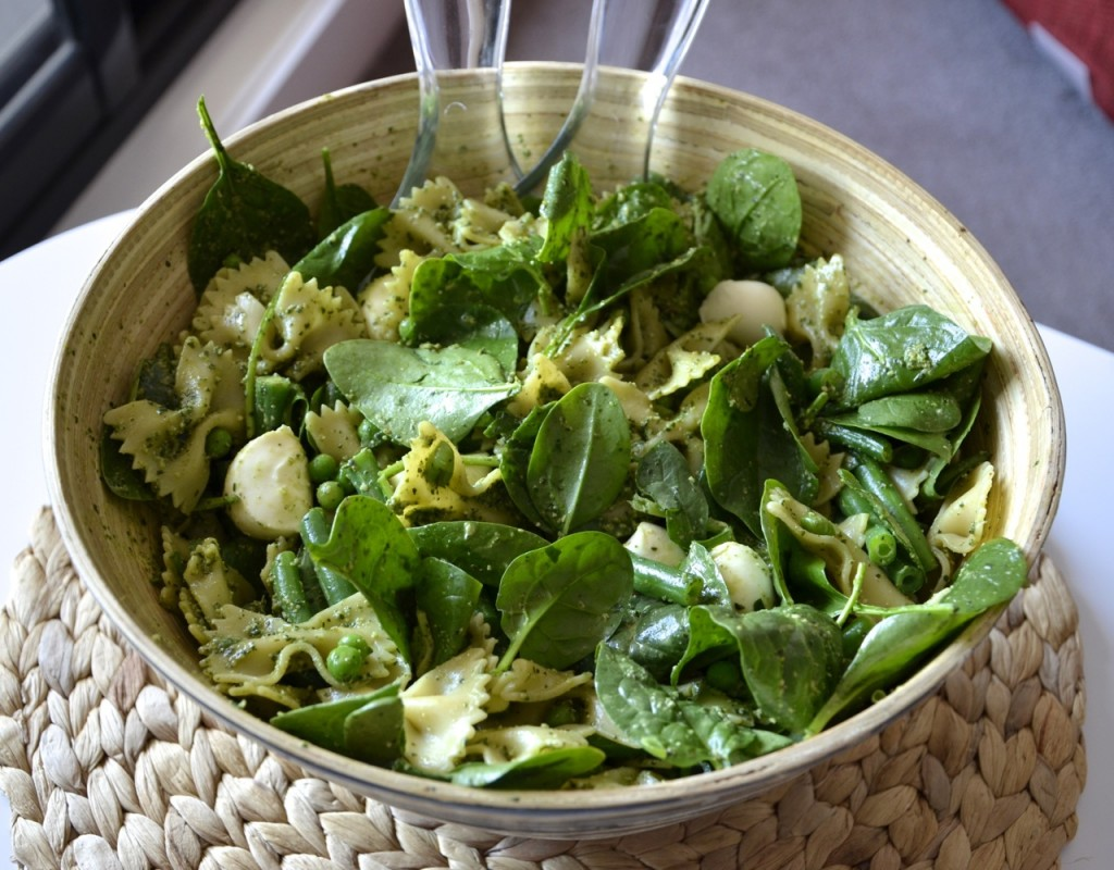 Vegetarian Pesto Pasta Salad