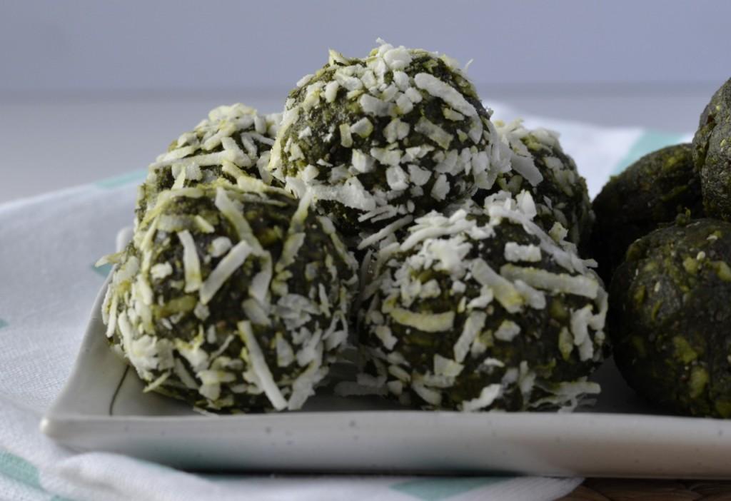 Matcha macadamia bliss balls