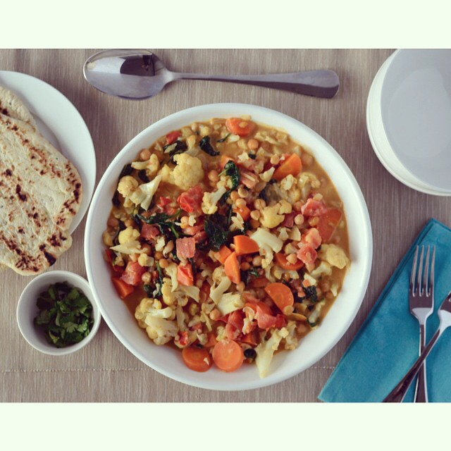 What's for tea at your place tonight? This cauliflower carrot curry is up on the blog today and could be on your table in no time! #meatlessmonday #vegan #curry #dinner #cauliflower #carrot