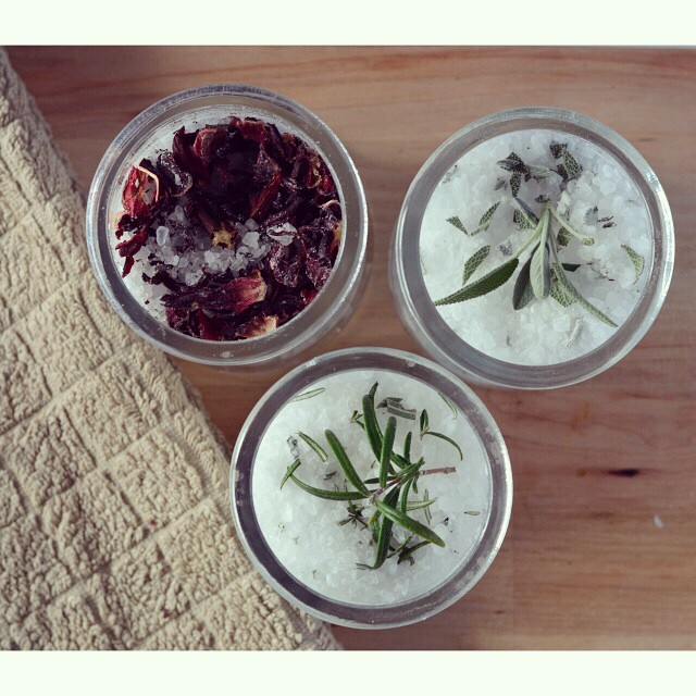 Want a weekend activity that results in a deliciously relaxing bath at the end? Try your hand at making your own bath salts! I've got the how-to info as well as 3 of my favourite scent combinations up on I Spy Plum Pie right now! #bathsalts #homemade #ecobeauty #DIY #essentialoils
