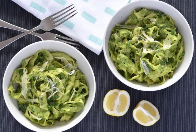 Creamy Avocado & Spinach Pasta | I Spy Plum Pie