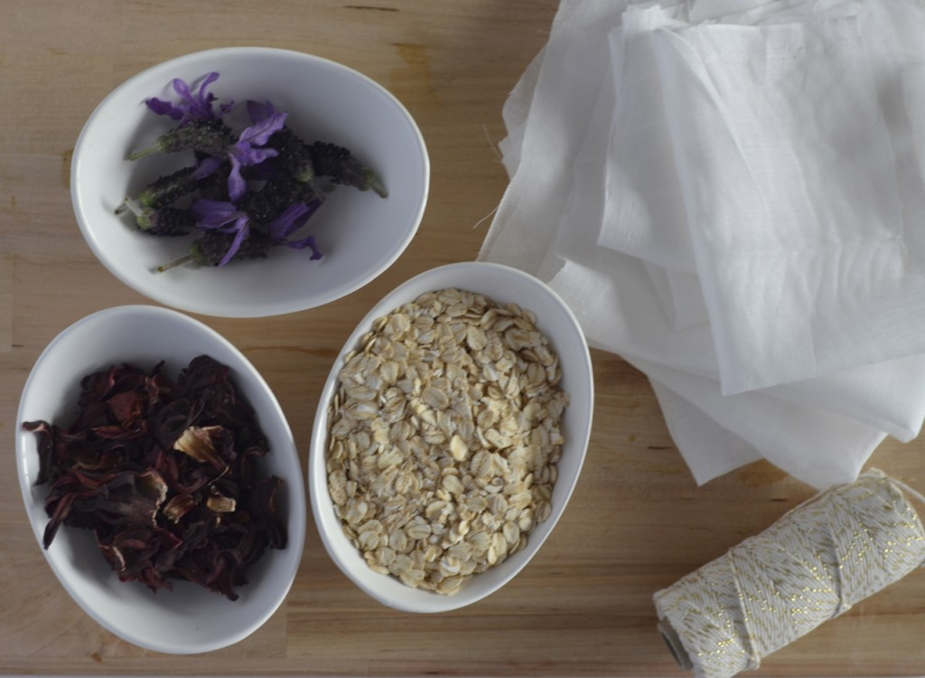 DIY Oat Bath Bags | I Spy Plum Pie