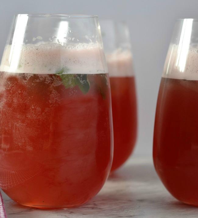 Apple Cranberry Cocktail | I Spy Plum Pie