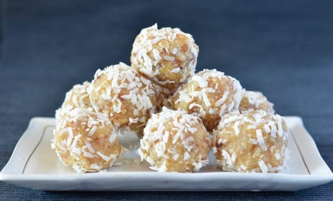 Lemon Macadamia Bliss Balls | I Spy Plum Pie