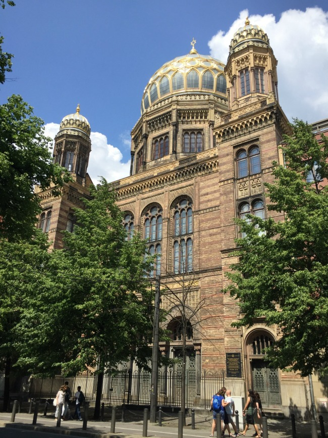 Berlin Exploring: Jewish Museum, Topography of Terror & New Synagogue | I Spy Plum Pie