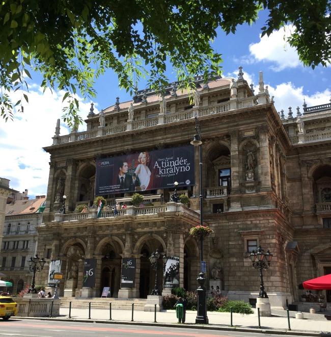 Budapest Exploring: Gellert Hill, St Stephen's Basilica, Opera House & Parliament