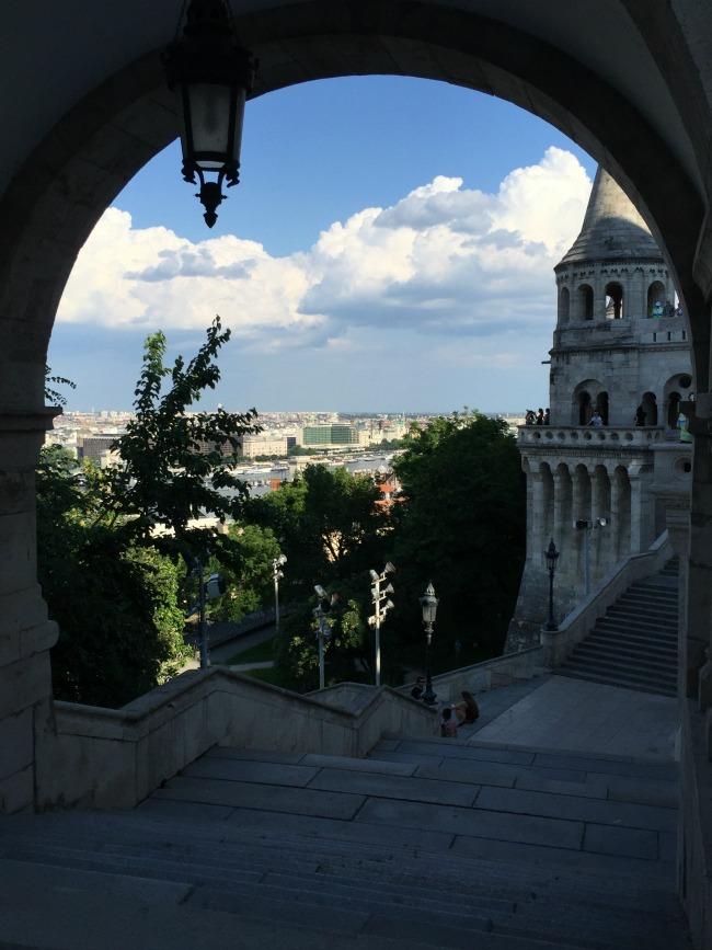 Budapest Exploring: Free Walking Tour & Boat Trip