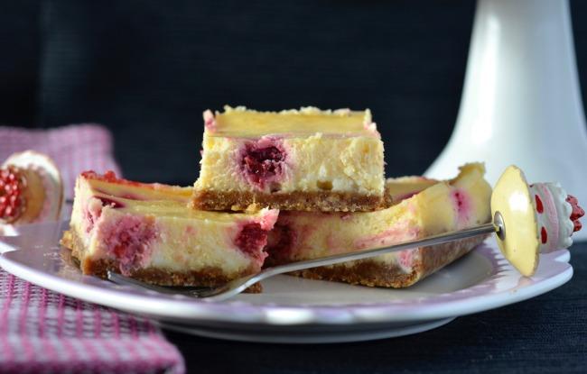 Raspberry White Chocolate Cheesecake Slice | I Spy Plum Pie