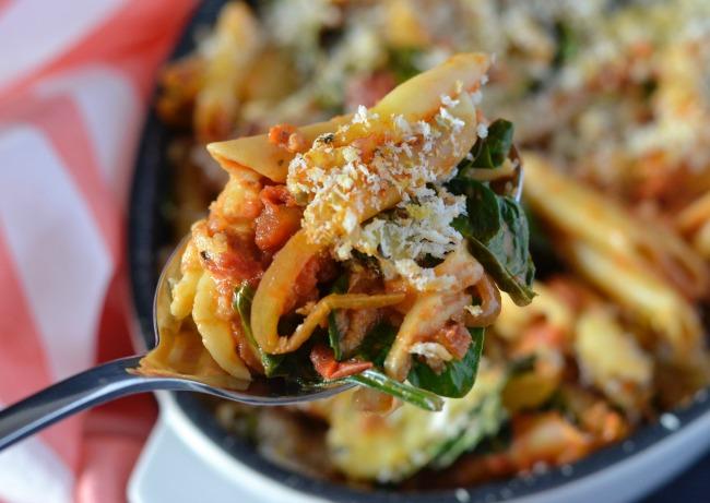 Caramelised Onion & Spinach Pasta Bake | I Spy Plum Pie