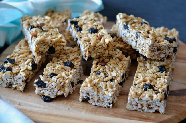 Blueberry Almond Muesli Bars | I Spy Plum Pie