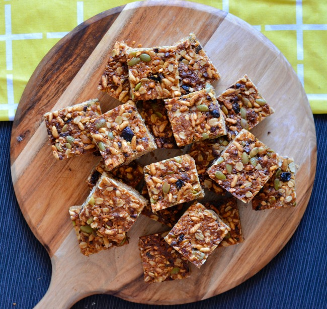 Peanut Cranberry Muesli Bars | I Spy Plum Pie