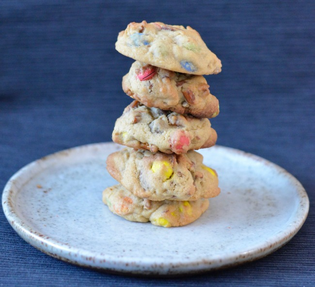 Pretzel M&M Cookies | I Spy Plum Pie