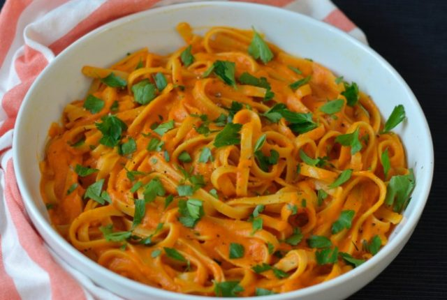Roasted Red Capsicum Pasta | I Spy Plum Pie
