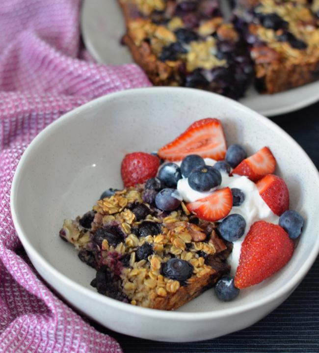 Blueberry Pecan Baked Oatmeal | I Spy Plum Pie