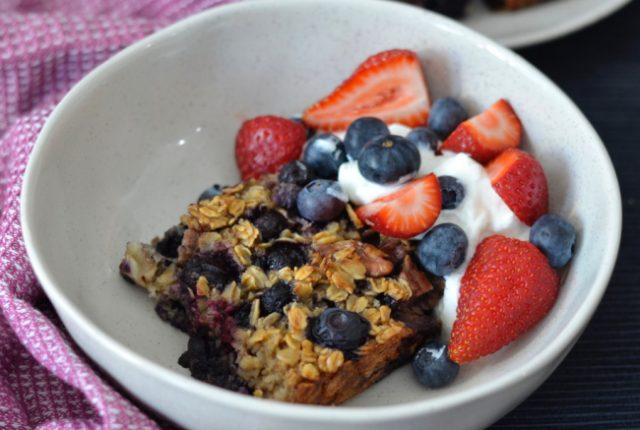 Blueberry Pecan Baked Oatmeal | I Spy Plum Pie