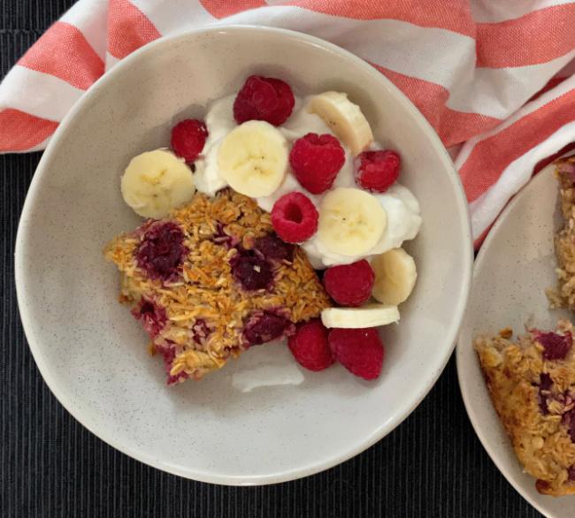 Raspberry Banana Baked Oatmeal | I Spy Plum Pie