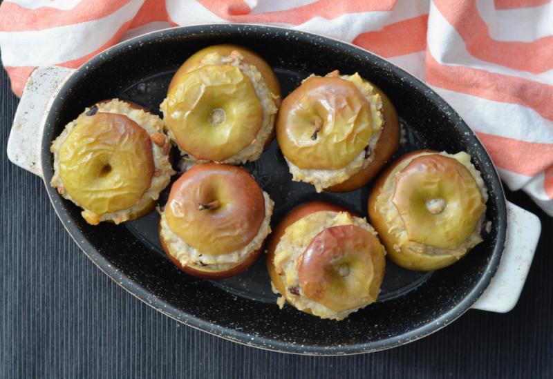 Oatmeal Stuffed Baked Apples   I Spy Plum Pie