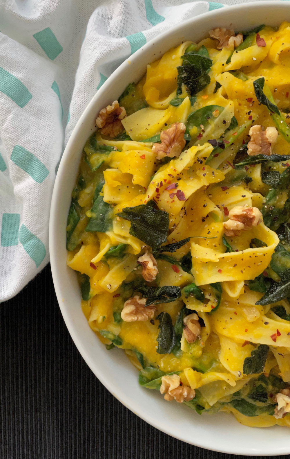 Creamy Pumpkin Spinach Pasta | I Spy Plum Pie