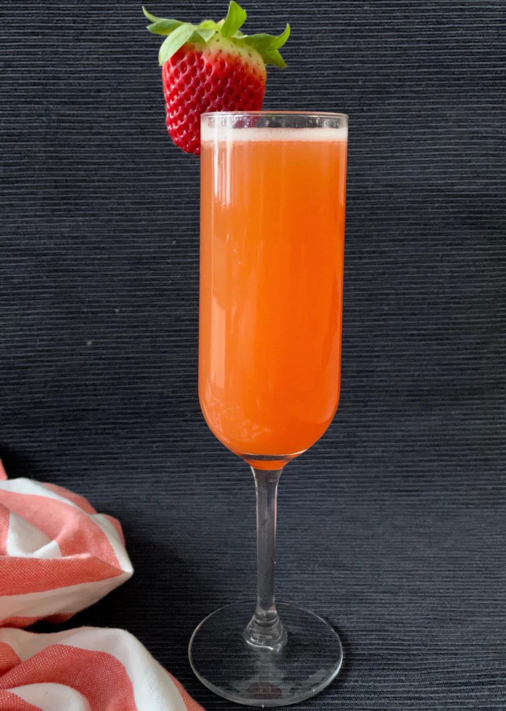 Grapefruit Strawberry Mimosas   I Spy Plum Pie