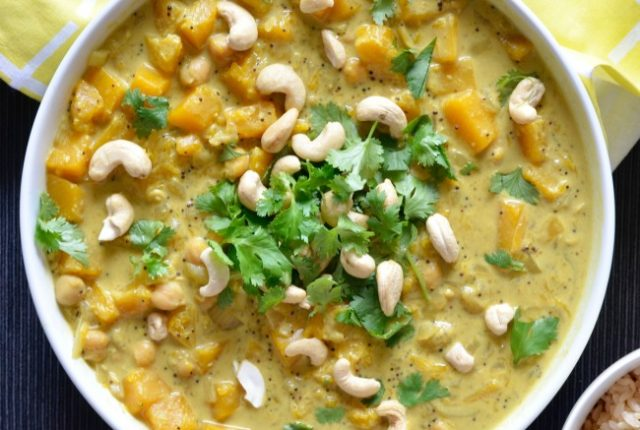 Pumpkin Chickpea Curry | I Spy Plum Pie