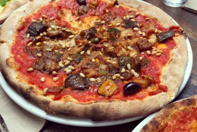 Pubs for Vegetarians: Stomping Ground Collingwood | I Spy Plum Pie