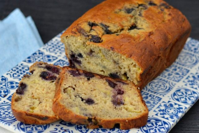 Blueberry Banana Bread | I Spy Plum Pie