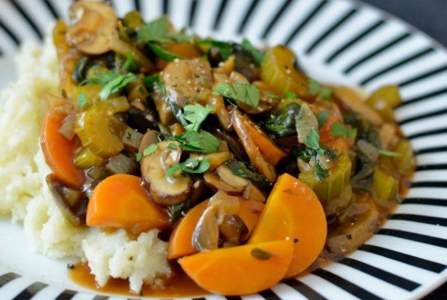 Mushroom Bourguignon | I Spy Plum Pie
