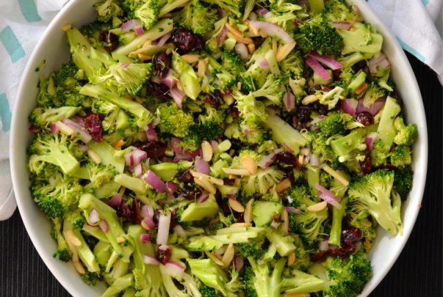 Broccoli Cranberry Salad | I Spy Plum Pie