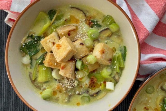 Tofu Mushroom Curry Noodles | I Spy Plum Pie
